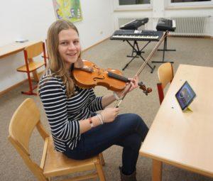Talia Banos_Instrumentalunterricht